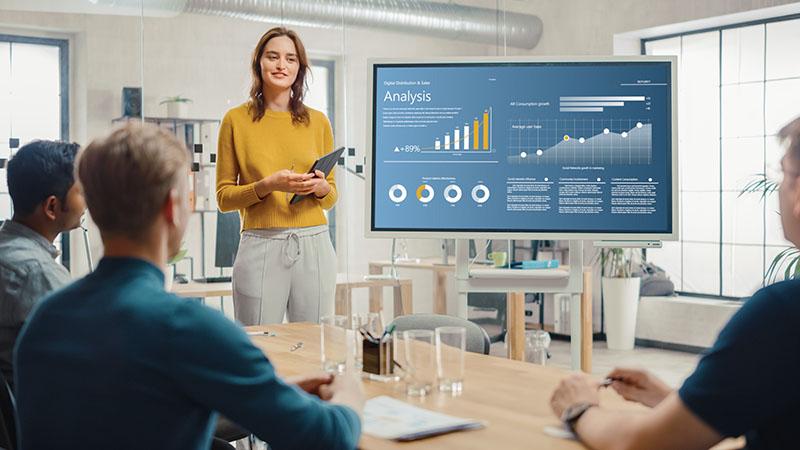 Come fare una presentazione aziendale di successo: la Guida